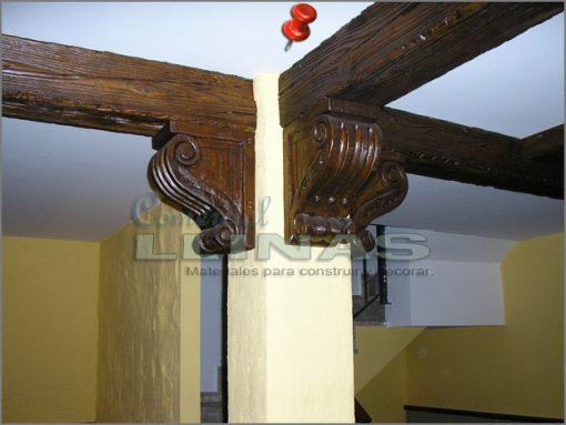 Ménsulas decoradas en poliuretano para vigas