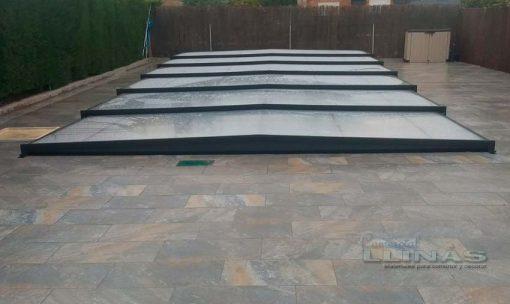 cubierta-piscina-modelo-plana-premium-sobre-suelo-piedra-natural