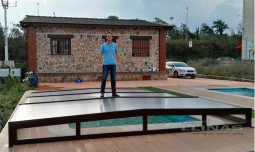 cubierta-piscina-modelo-plana-premium-soporta-peso-persona