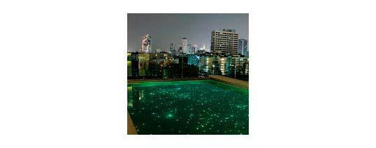 Un cielo estrellado en tu piscina