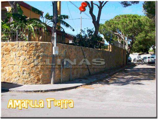 Piedra natural irregular Amarilla Tierra. Muro chalet