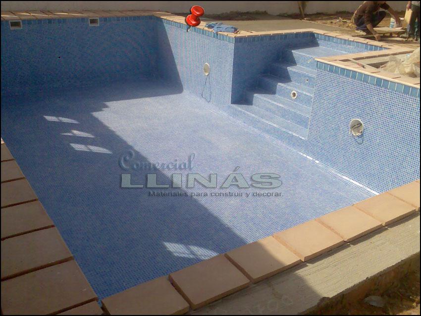 Gresite piscina serie niebla azul celeste comercial llin s for Gresite piscina precio m2